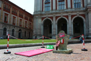 http://www.lastampa.it/2017/07/15/italia/ecco-perch-dipingo-torino-di-colore-rosa-7gGix3QMytvvzduffJoihK/pagina.html